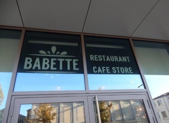 Pose vitrophanie restaurant Babette Hilton Garden Inn à Bordeaux - Semios