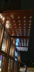 Aloft hotels auvent d'entrée éclairage ampoule leds