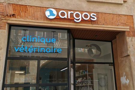 Enseigne lumineuse clinique vétérinaire Argos - Semios